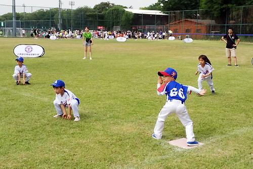 第二届北京幼儿软式棒垒球邀请赛圆满落幕斗牛机游乐设备图片