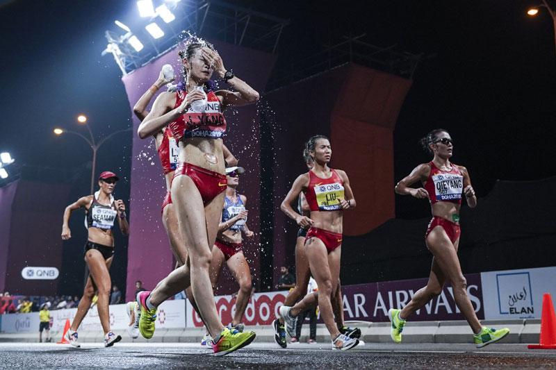 女子20公里竞走 中国队包揽前三名老将刘虹获得冠军