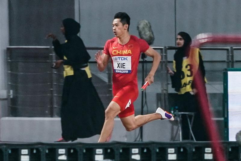 男子4×100米接力预赛 中国队小组第三晋级