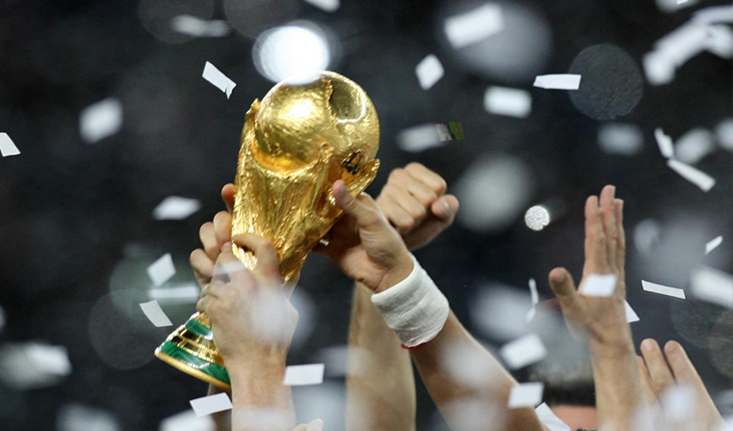 """卡塔尔世界杯""""集装箱""""球场接近竣工"""