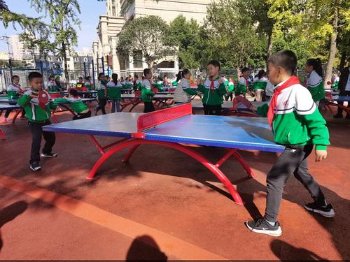 营造校园体育文化 重视青少年视力健康